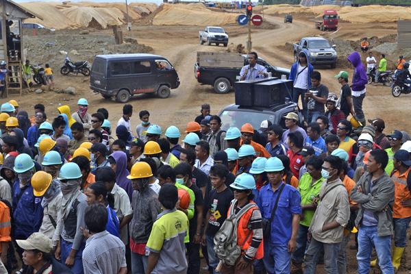 Aksi mogok buruh Bintang Delapan. Foto: Masdar
