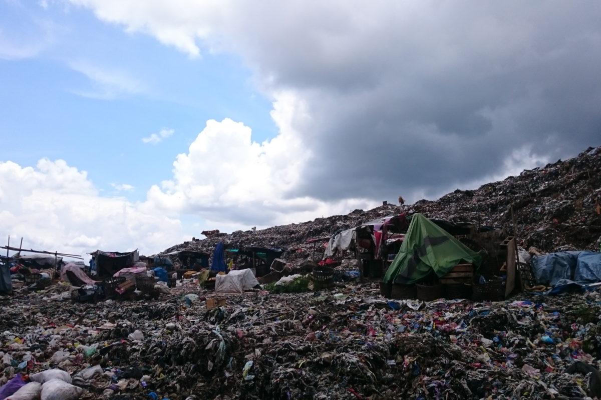 Sampah di TPST Piyungan, belum lalui proses pemilahan. Foto: Nuswantoro/ Mongabay Indonesia